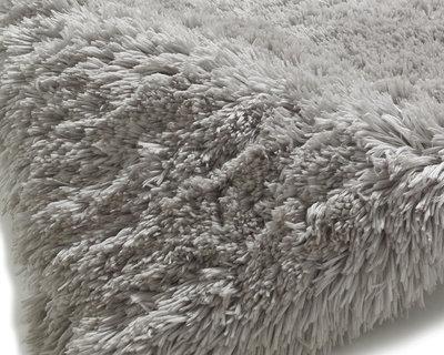 Prachtig hoogpolig vloerkleed Poolstar licht grijs PL95